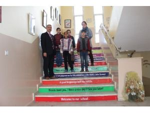 İlk Ve Ortaokulda İngilizce Sokağı Oluşturuldu