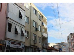 İzmir'de 4 Kişi Sobadan Zehirlendi