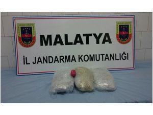 Malatya'da Esrar Ve Kaçak Sigara Ele Geçirildi
