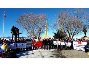 Atatürk Üniversitesi Sporcuları Şehitlerin Anısına Tırmandı