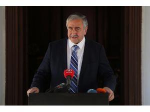 Akıncı: Türkiye Rumları tanımıyorum dese de gereklerini yerine getiremiyor