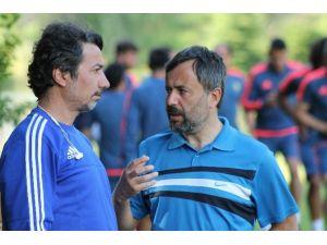 Alima Yeni Malatyaspor'da 2 Futbolcu İle Yollar Ayrıldı