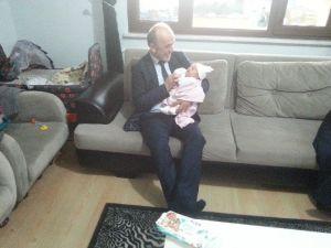 """Erenler'de Başlatılan """"Hoşgeldin Bebek"""" Projesi Büyük Takdir Topladı"""