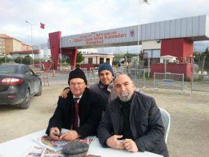 Adanalı gazeteciler 'Silivri' nöbetinde