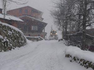 Trabzon'da Yüksek Kesimlerde Karla Mücadele Çalışmaları Başladı