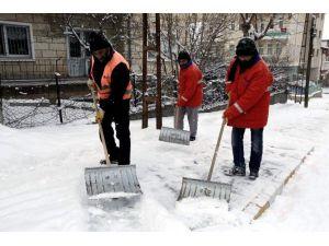 Nevşehir'de Karla Mücadele Çalışmaları Yapılıyor