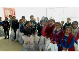 Hilvan'da 412 Öğrenciye Giyim Yardımı
