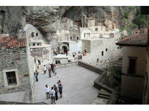 Sümela Manastırı'nı Son 3 Yılda Yaklaşık 1,5 Milyon Turist Ziyaret Etti