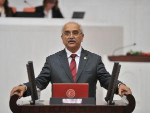 CHP'li Vekilden İthal Doktora 'Yaş' Önergesi
