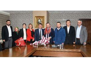 Trabzonlular Derneği'nden Başkan Doğan'a Ziyaret