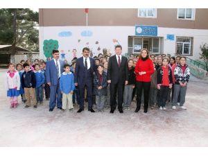 Merkezefendi Belediyesi'nden Köy Okuluna Yardım