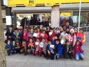 Minik Öğrencilerinden PTT Gezisi