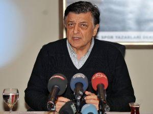 """Vural: """"Türk Antrenörleri Sürünün"""""""