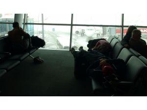 Havalimanı otele döndü