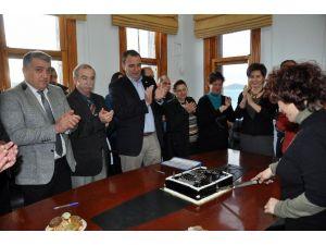 Başkan Gençer'den Memurlara Yeni Yıl Hediyesi