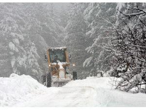 Kastamonu'da 380 Köy Yolu Ulaşıma Kapandı
