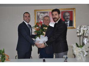 CHP'li Gençlerin Yeni Başkanı Görevi Devraldı