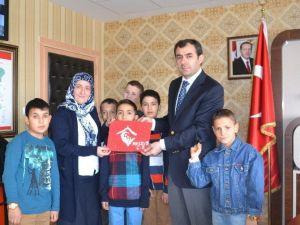 Devlet Korumasındaki Çocuklardan Abdulhakimoğulları'na Yeni Yıl Ziyareti