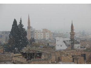 Şanlıurfa Yeni Yıla Karla Girmeye Hazırlanıyor
