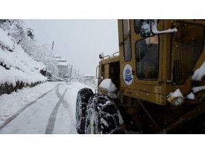 Of İlçesinde Karla Mücadele Çalışmaları