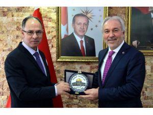 Filistin Büyükelçisi Faed Mustafa'dan Saraçoğlu'na Ziyaret