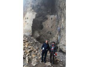 Polatlı Sarıoba'da tarihi kale korumaya alınmayı bekliyor