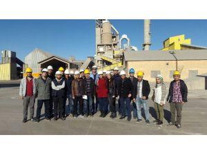 İnşaat Mühendisliği Öğrencileri Çimento Fabrikasını Gezdi
