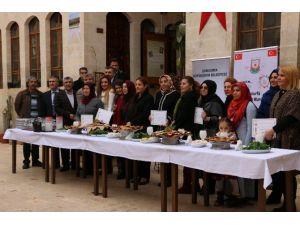 Yöresel Yemekler Kursuna Katılan Kadınlara Sertifikaları Verildi
