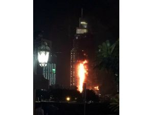 Dubai'de 63 Katlı Otelde Yangın Çıktı