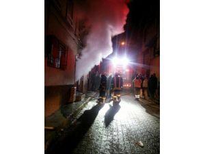 Kütahya'daki Yangında 1 Kişi Dumandan Zehirlendi