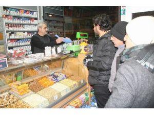 Yozgat'ta Yılbaşı Gecesi Kuruyemişçilerin Yüzünü Güldürdü