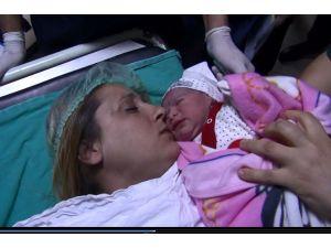 Adana'da yeni yılın ilk bebeği Lavinya