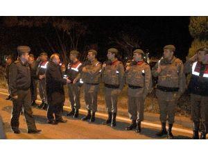 Vali Çiçek Emniyet Ve Jandarmanın Yeni Yılını Kutladı