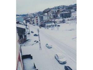 Sincik Yeni Yıla Kar Yağışıyla Girdi