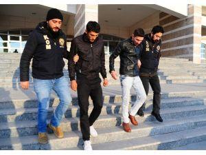 Uşak'ta Uyuşturucu Operasyonu, 2 Kişi Tutuklandı