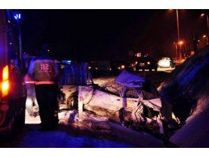 Tır'ın Çarptığı Otomobil Sürücüsü Öldü
