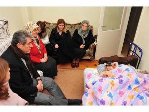 Başkan Çalkaya Ve Ailesi Yeni Yılı Vatandaşlarla Karşıladı