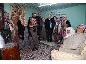Başkan Özakcan, Yeni Yıla Vatandaşlarla Beraber Girdi