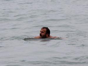 Eksi 3 Derecede Denize Girdi