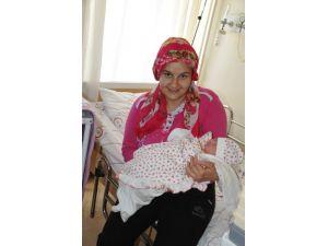 Alanya'da Yılın İlk Bebeği Ayşe Eker Oldu
