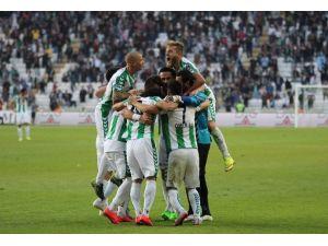 Torku Konyaspor, 15 Bin 500 Seyirci Ortalamasıyla Oynadı