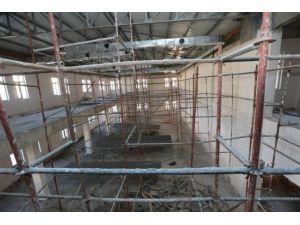 Vali Çomaktekin AFAD Ve 112 Acil Çağrı Merkezi İnşaatını İnceledi