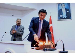 Başkan Selçuk'a Personelinden Sürpriz Doğum Günü