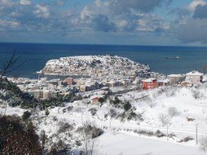 Amasra'da Kar Hayatı Olumsuz Etkiledi