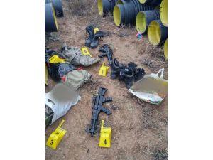 Oyuncak silahlarla, Afgan uyrukluların eşyalarını gasp ettiler