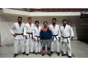 Sakarya Akdemirspor Judo Takımı Süper Lig'in kapısından döndü
