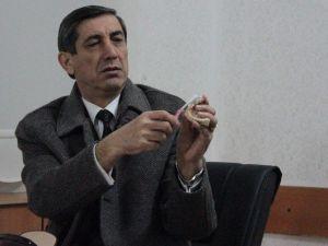 Diş Hekimi Adem Arslan: