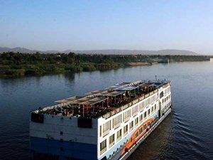 Nil Nehri'nde kötü hava şartlarından tekne battı: 6 ölü