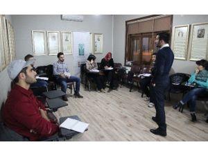 Kocaeli'de Yabancı Öğrenciler Türkçe Öğreniyor