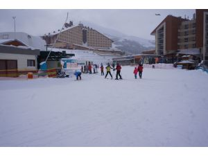 Kar, Palandöken'deki otelcilerin yüzünü güldürdü